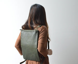 "Green - 15"" Vertical Convertible Tote"