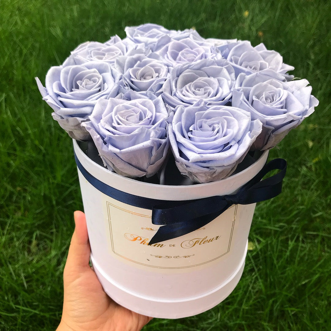 Medium Round White Box Lovely Lavender Pham De Fleur Real