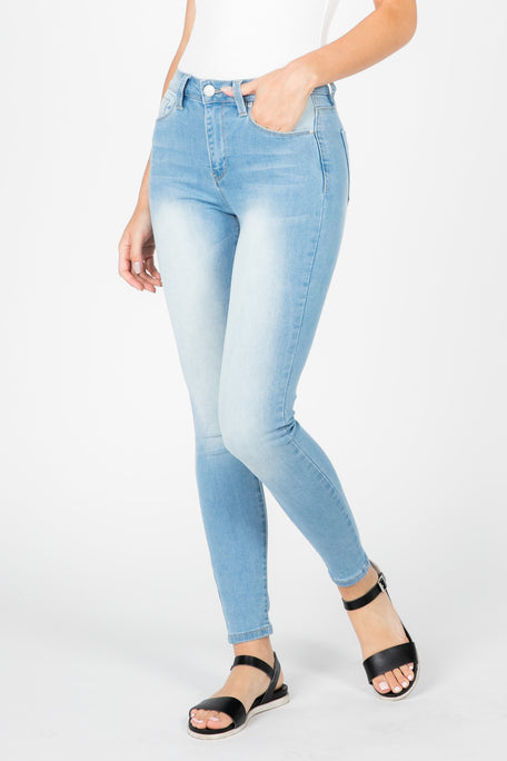 BOOTY HIGH RISE JEAN