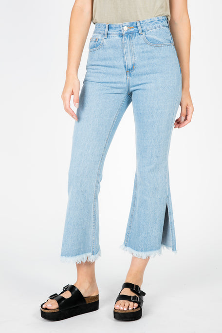 FARRAH WIDE LEG DENIM CAPRI PANTS