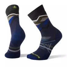 Smartwool Men's PhD® Outdoor Medium Pattern Hiking Crew Socks in deep navy