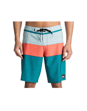 "T&C Surf Designs Quiksilver Everyday Blocked Vee 20"" Boardshort, 28 / bsg6"