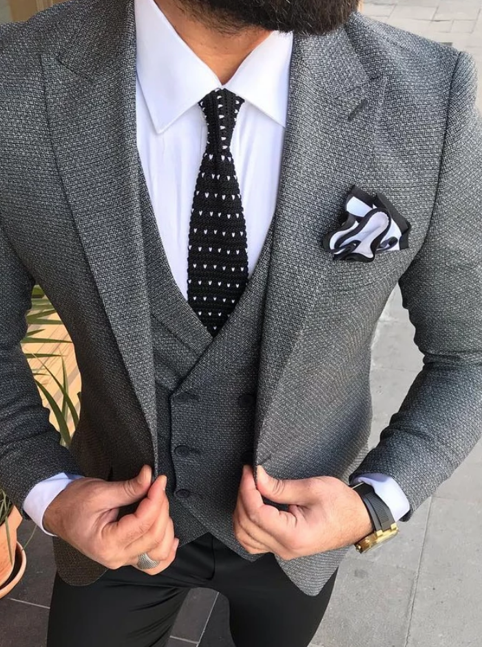 Black Pattern Dot Tie and Dual Colour Pocket Square