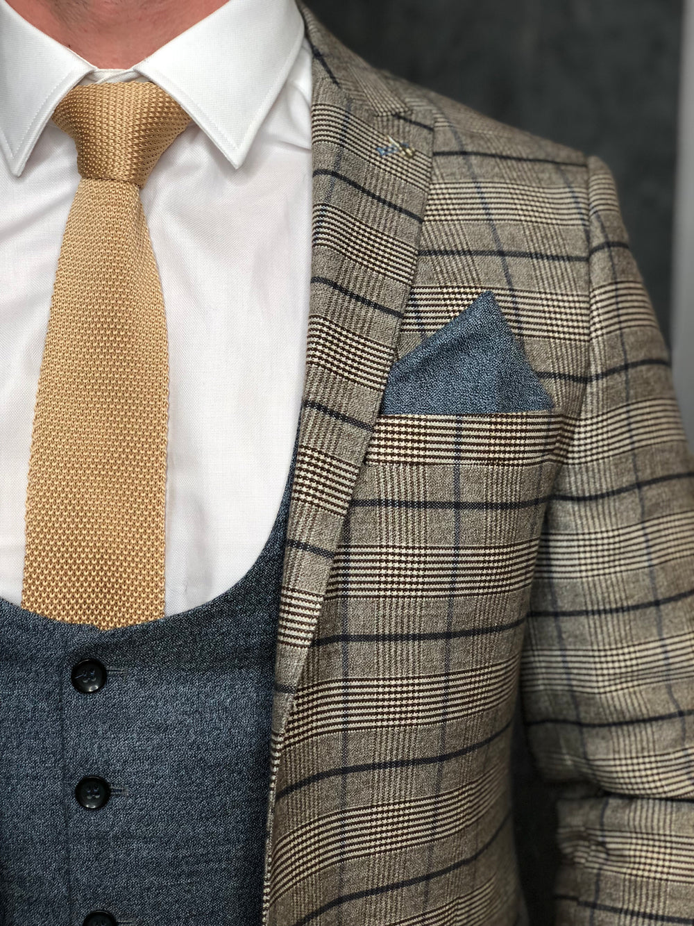 Champagne Tie and Textured Pocket Square