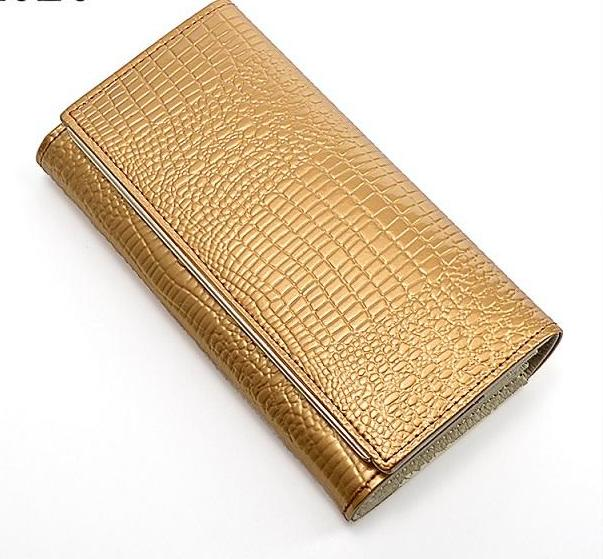 Hand Holdings Women Wallets. - Valerian Boutique