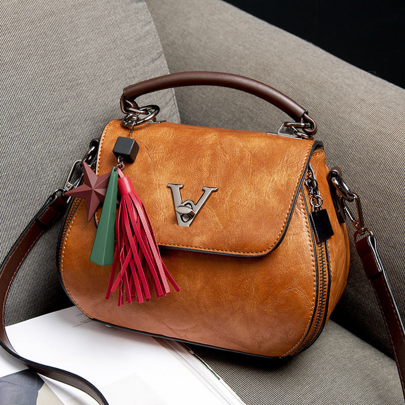 Geometry Small V Style Saddle Crossbody Bags