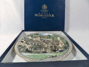 fine bone china plates. Worcester Porcelain, Sue Sallard Villages Series, Broadway Village Cotswolds, collectible  English country villages design, vintage collectibles