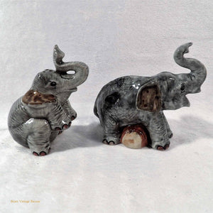 elephant figurines, retro kitsch salt n pepper shakers, novelty salt n pepper shakers, ceramic elephants salt and pepper, vintage cruet set, collectible salt n pepper pots