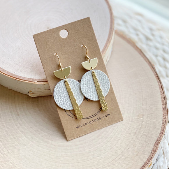 Crest Earrings | Natural
