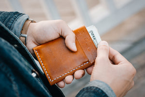 Using Flux veg tan leather wallet in tan
