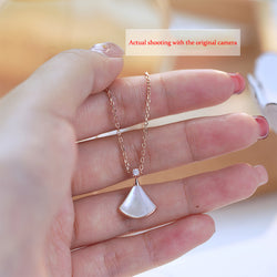 Scallop-shaped sterling silver clavicle necklace + shell 18K rose gold