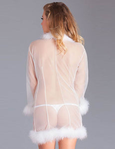Queen White Perspective Sleepwear With Fur