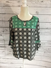 Turquoise Accented 3/4 Length Sleeve Top