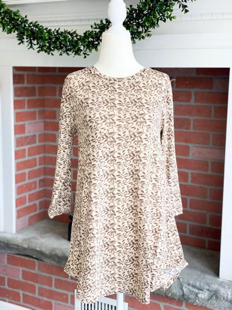 Neutral Floral 3/4 Length Sleeve