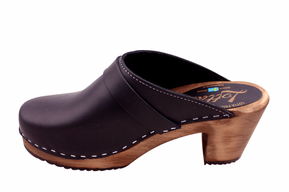 Lotta 131 dark highwood mule slide Swedish clogs in Black