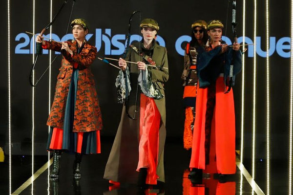 Koleksi Busana Bertajuk 'Secret Strength' Karya 2madison Avenue Tuai Pujian di Jakarta Modest Fashion Week