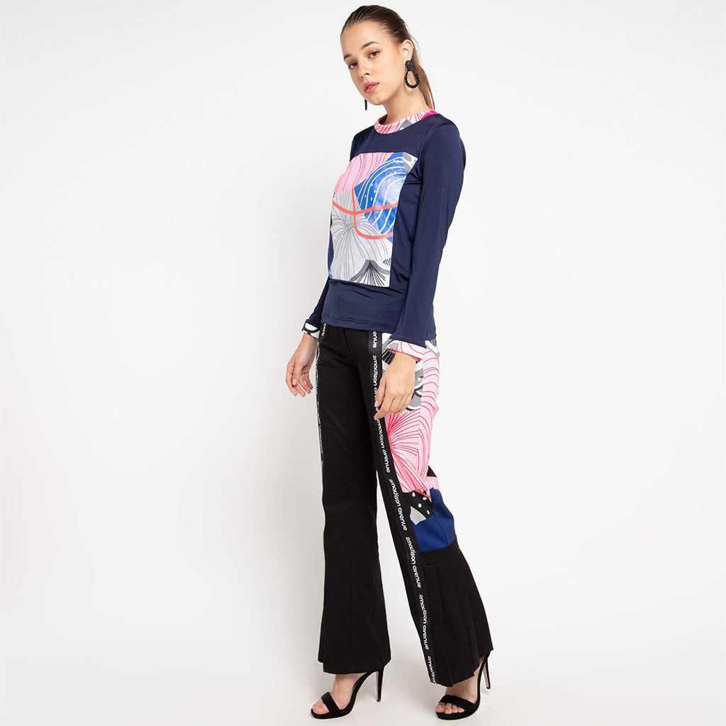 Long T-shirt in Navy With Recharging Blue-2MADISONAVENUE.COM