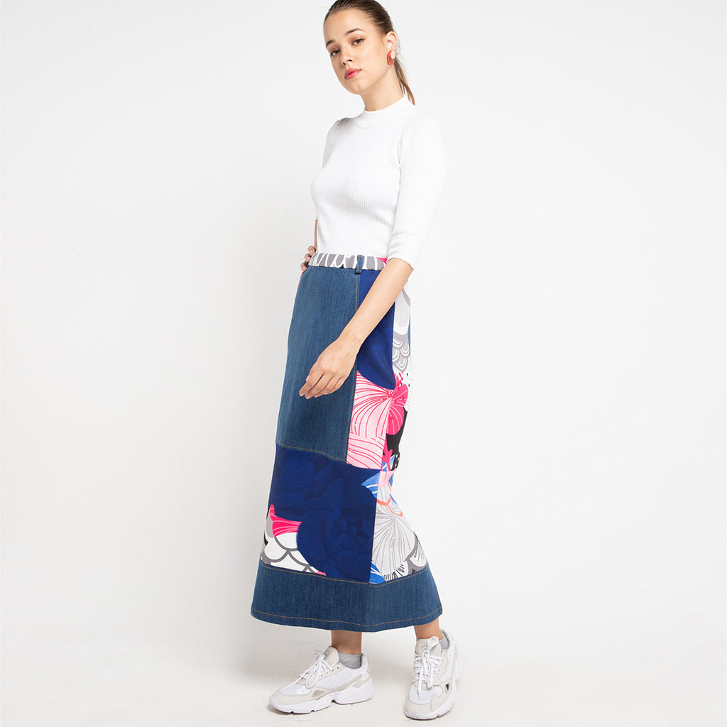 Gangsta Denim Skirt With Recharging Blue-2MADISONAVENUE.COM
