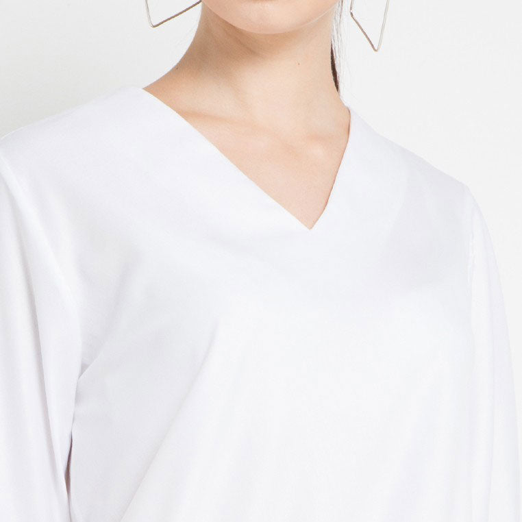 Cotton Blouse with Bow Tie in White-2Madison Avenue Indonesia