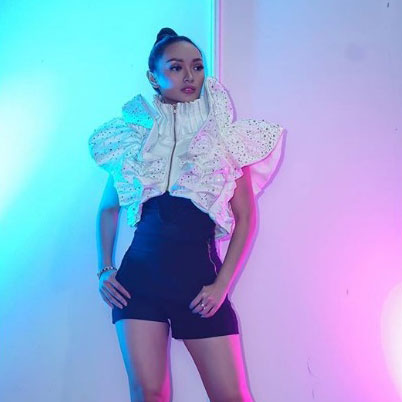 Destiny Butterfly Cropped Jacket in White With Sequin-2MADISONAVENUE.COM
