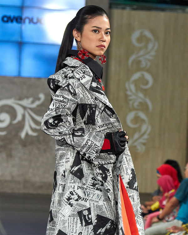 Signature Blazer News Print Mid-Length-2Madison Avenue Indonesia