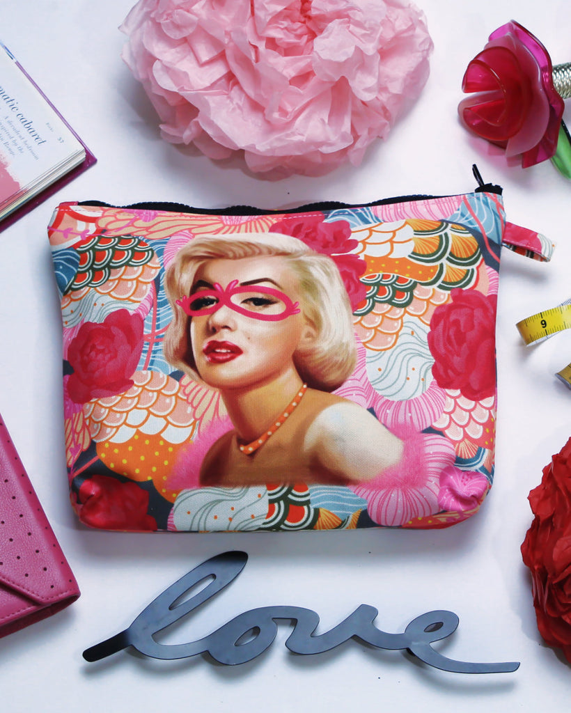 Pouch With Recharging Marilyn Art-2MADISONAVENUE.COM