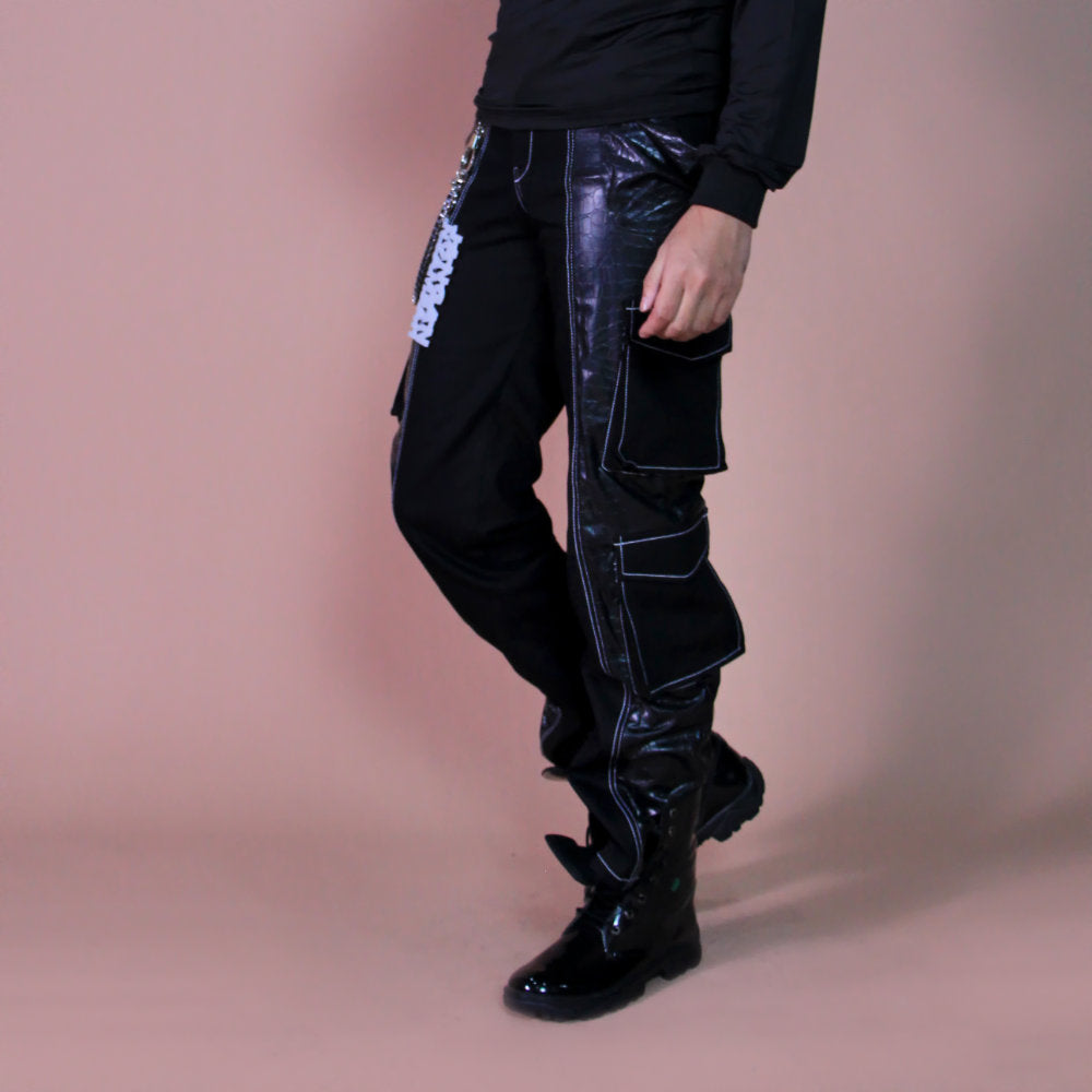Liga man Renaldo statement cargo pants in black (4534897377303)