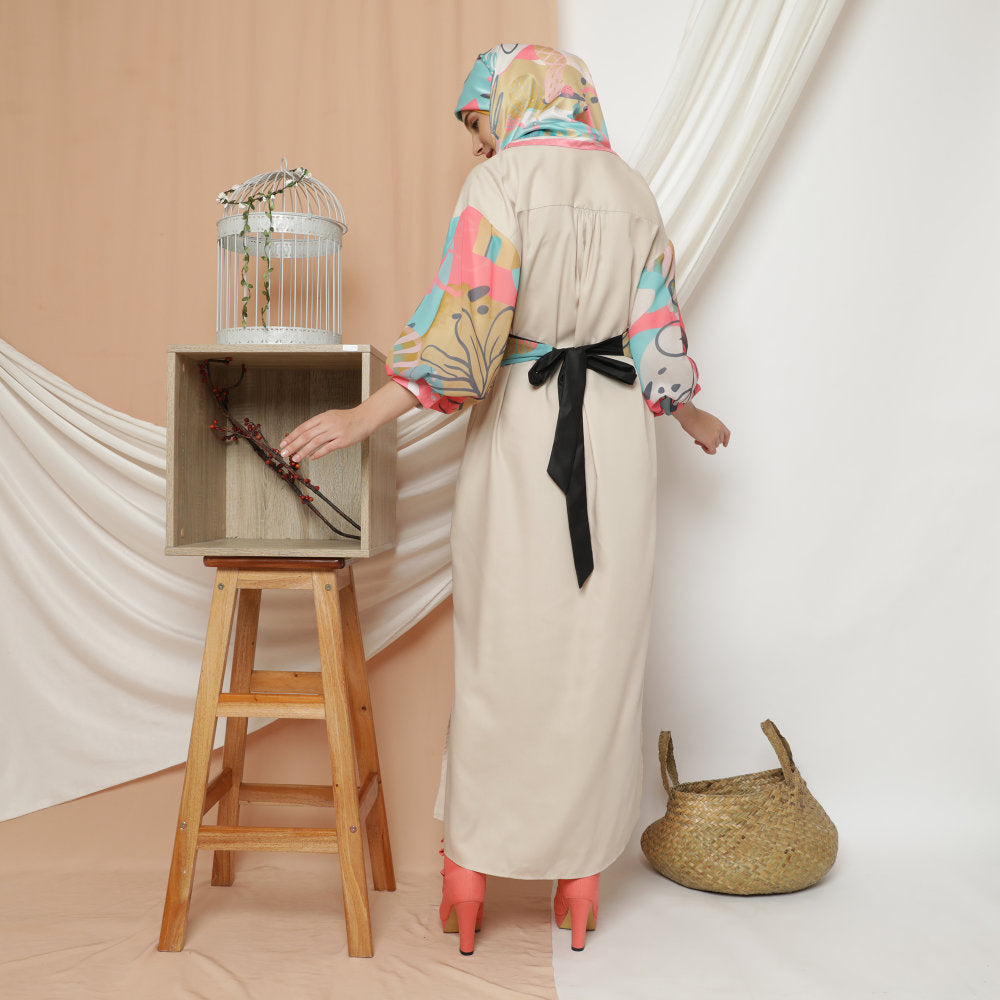 My Journey Modest Relax long dress with baloon sleeves in Beige-2MADISONAVENUE.COM