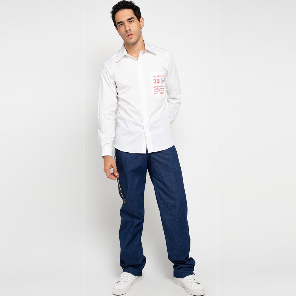 Go Green Man Long Shirt in White-2MADISONAVENUE.COM