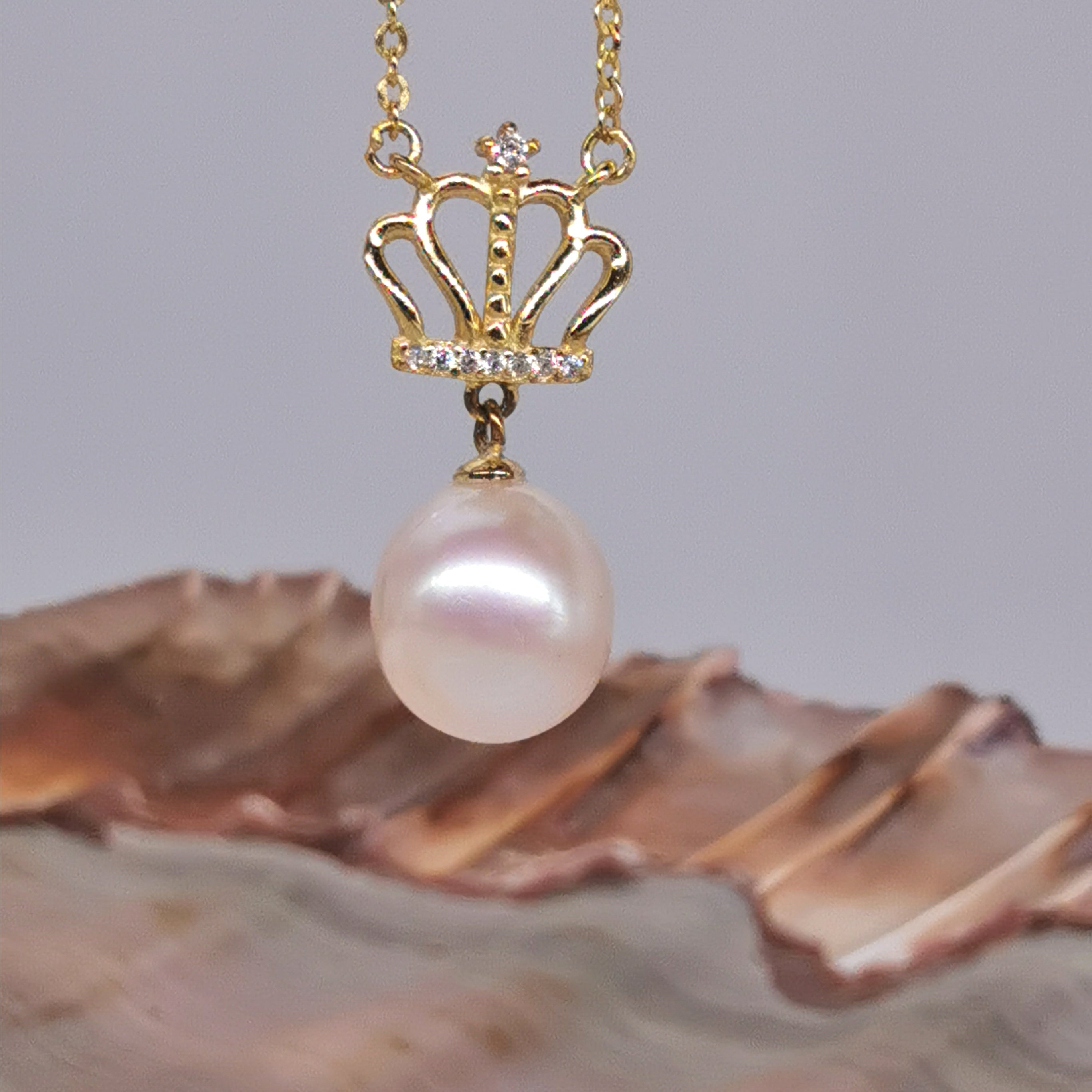 Crown Sterling silver with  10mm freshwater pearl necklace