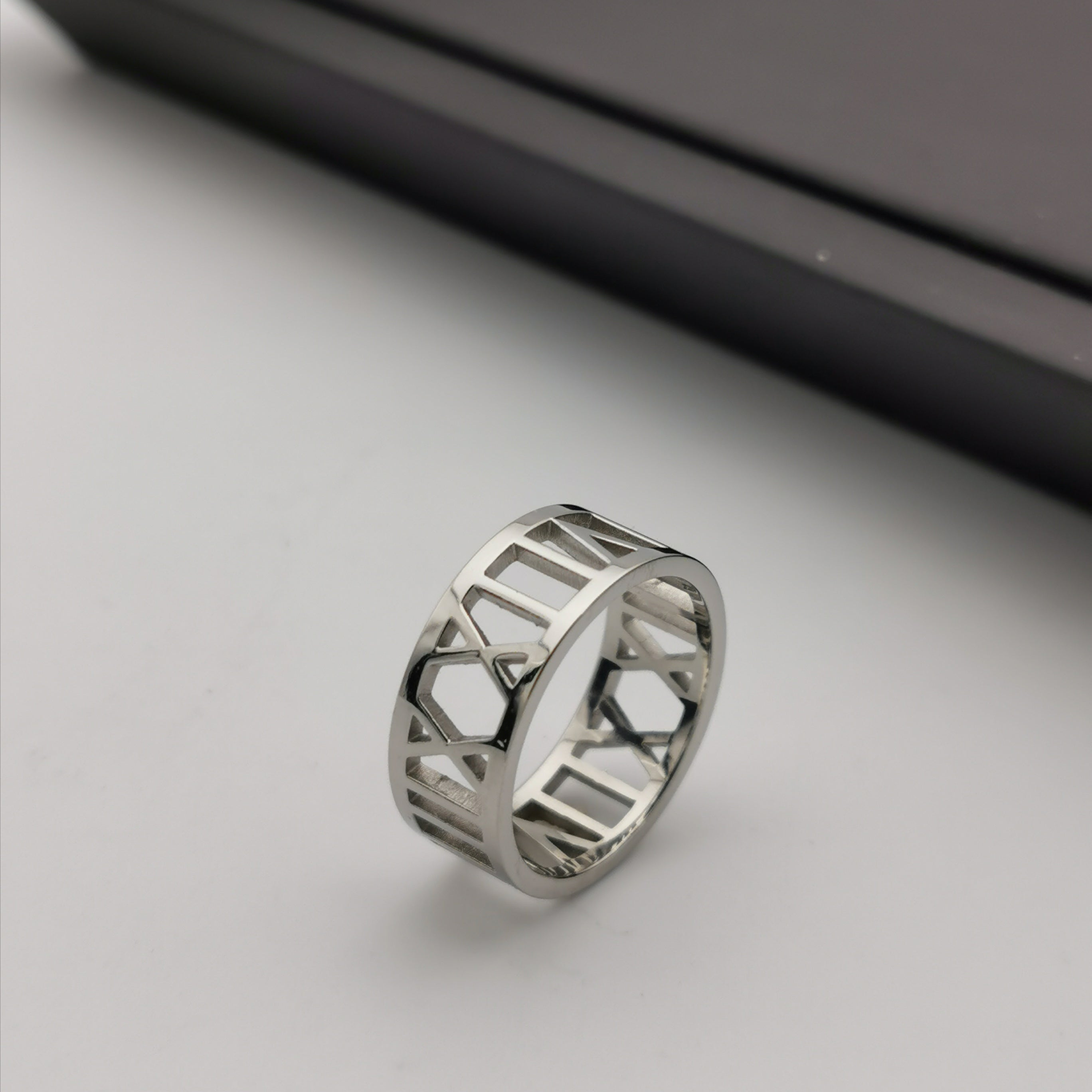 Stainless steel roma number ring
