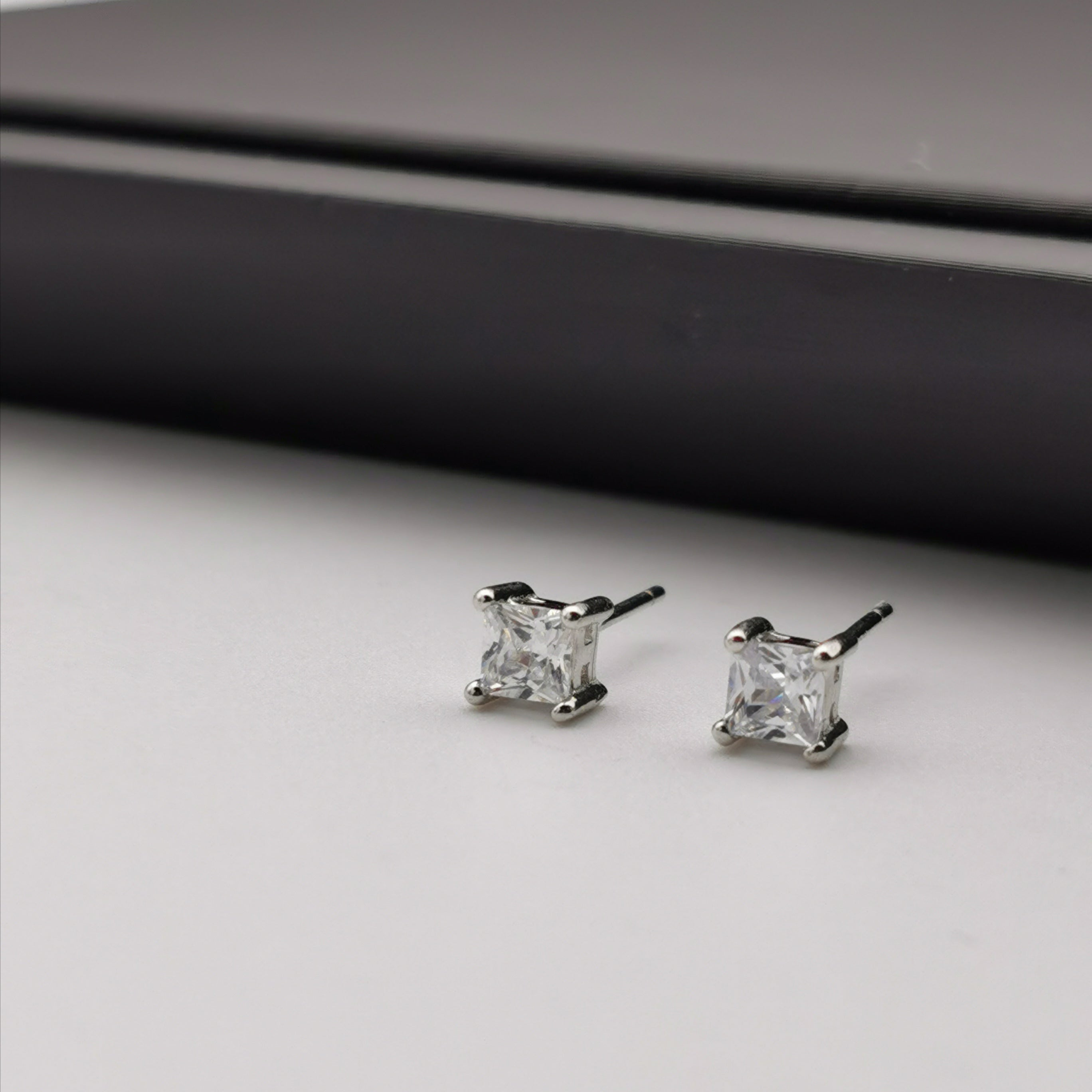 Sterling silver 14ct gold plated stud