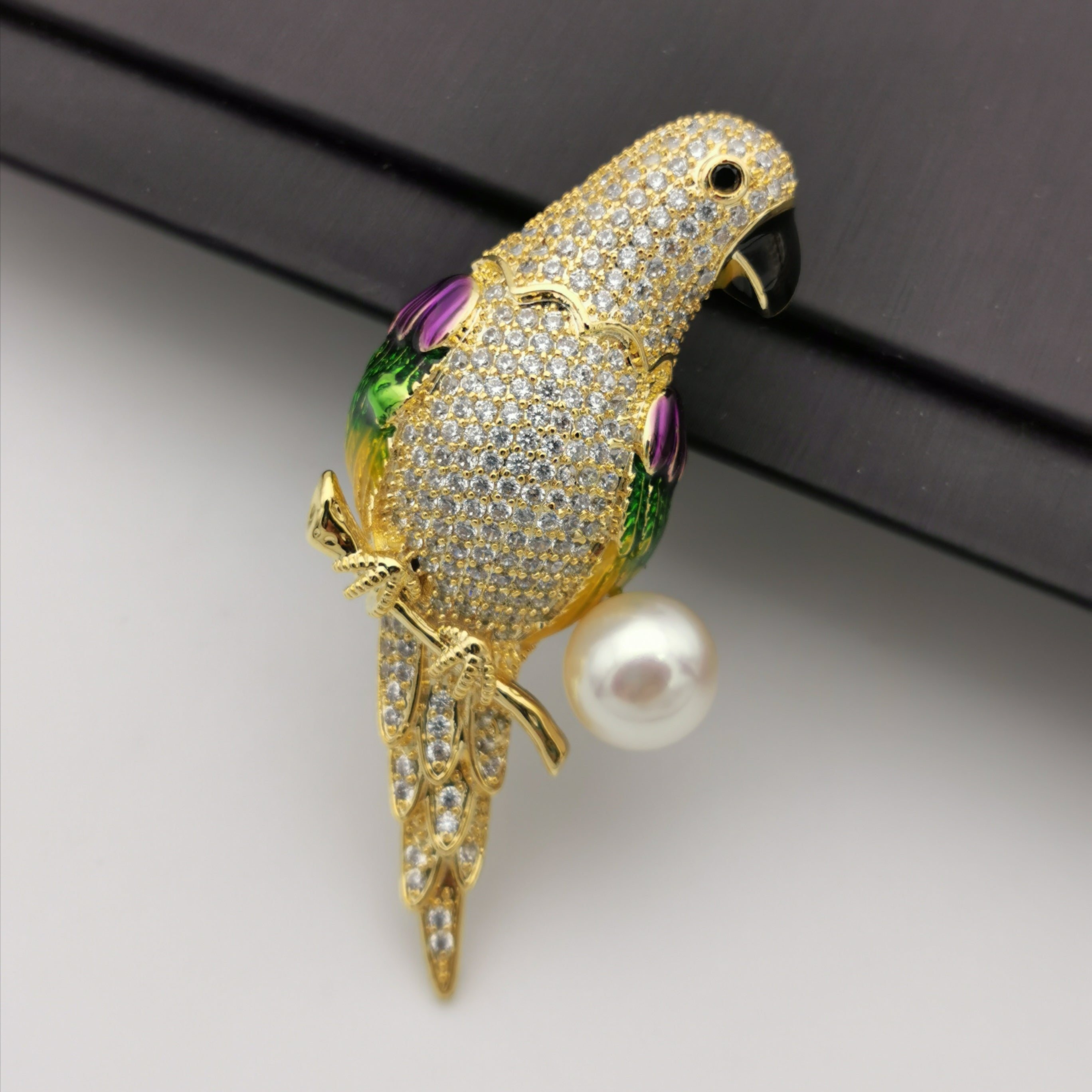 Parrot freshwater pearl brooch