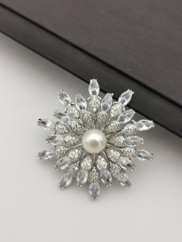 Luxury flower sparkle freshwater pearl brooch/pendant
