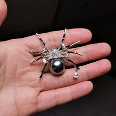 Spider 16mm sea shell pearl brooch
