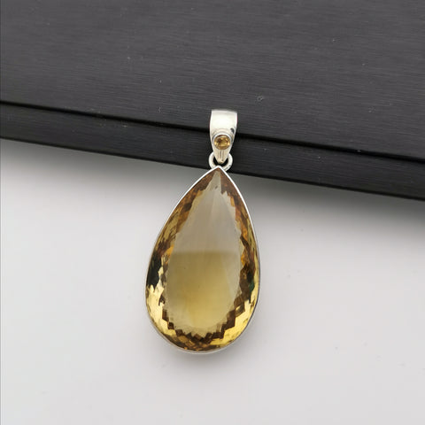Sterling silver with nature citrine pendant