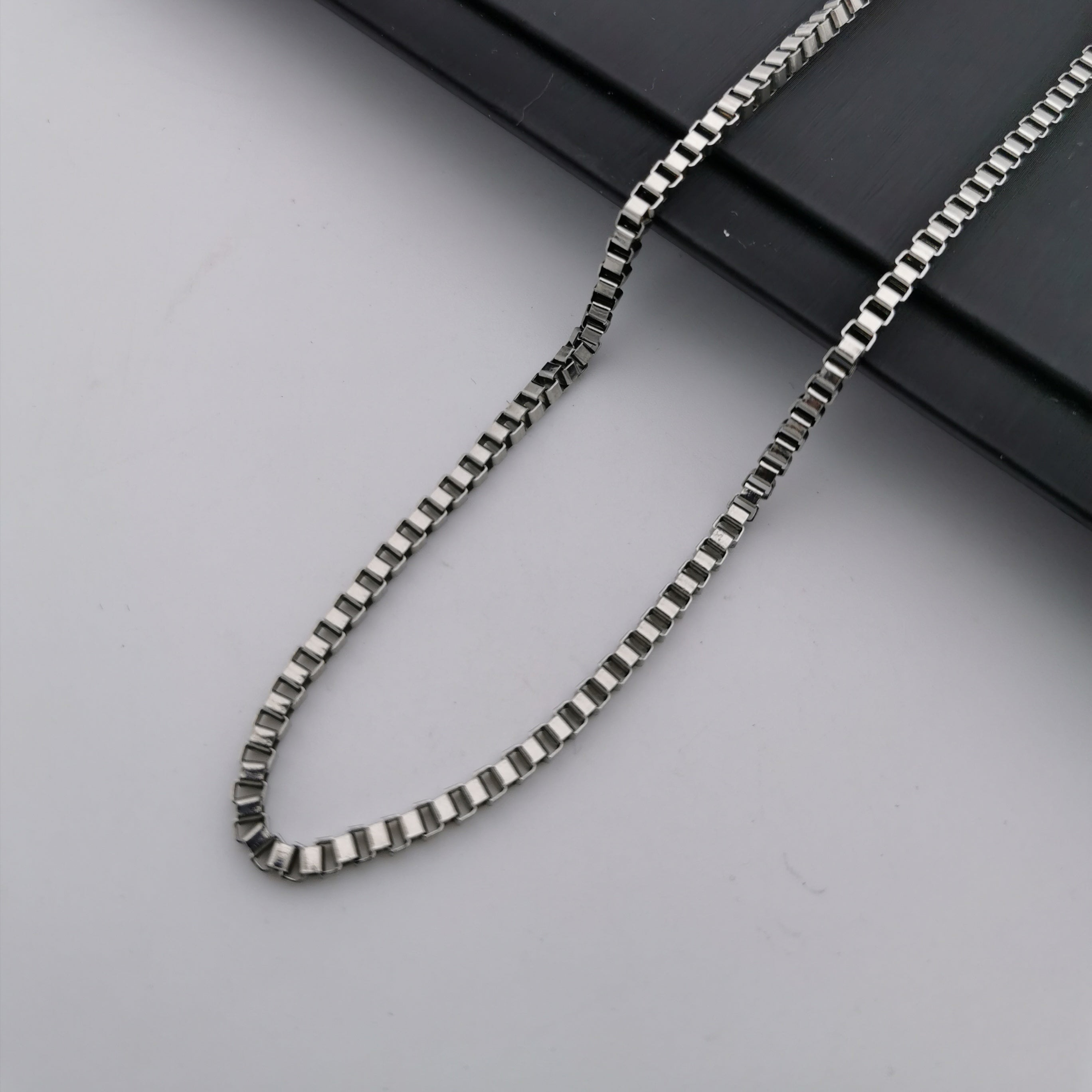 Stainless steel box chain