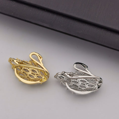 Alloy swan with cubic zircon clasp