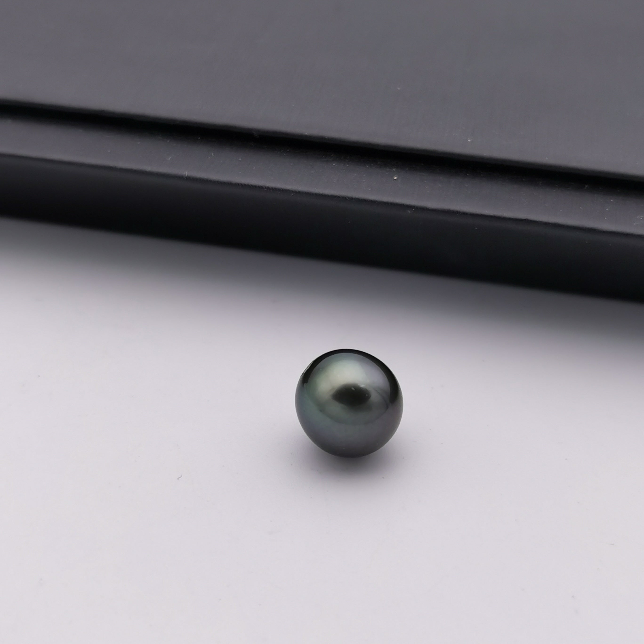 11.2 mm genuine round shape black Tahitian loose pearl full hole drilled