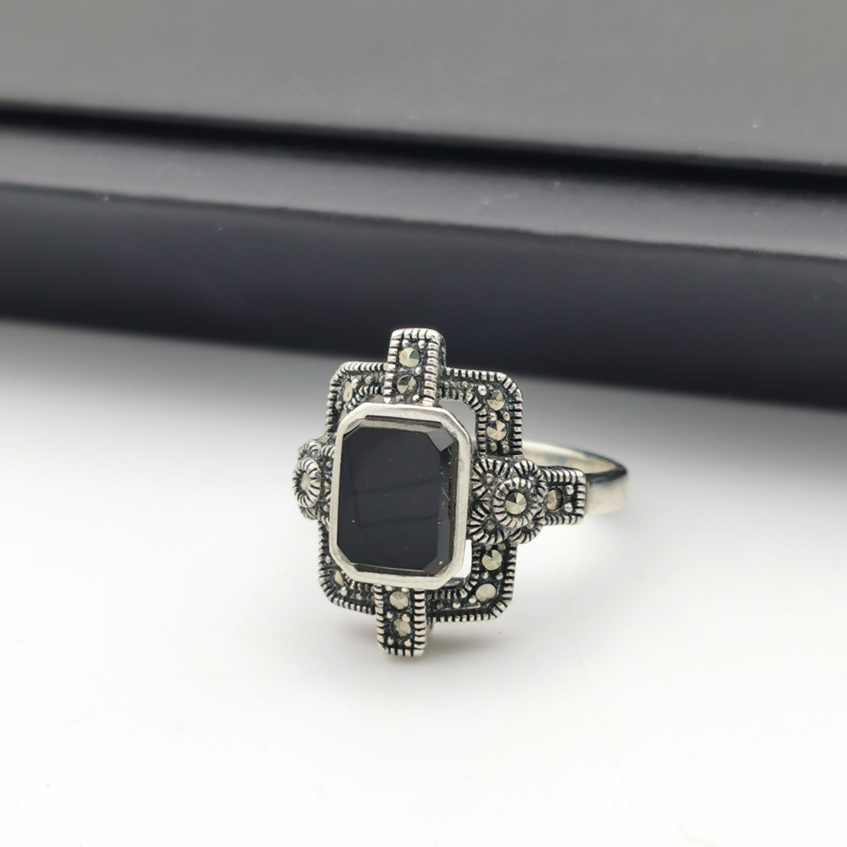 Unique elegant sterling silver marcasite with Onxy ring