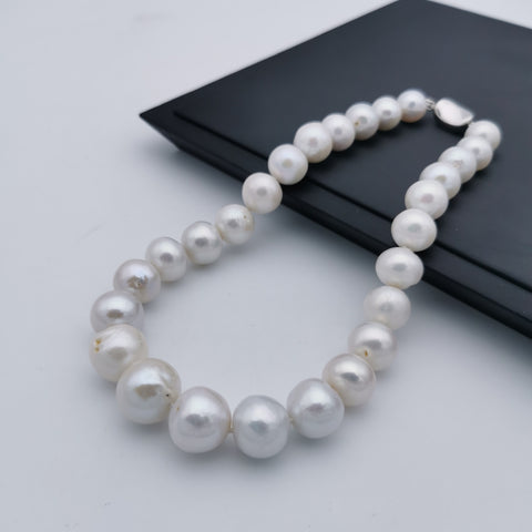 Must have of the freshwater pearl wedding/anniversary necklace