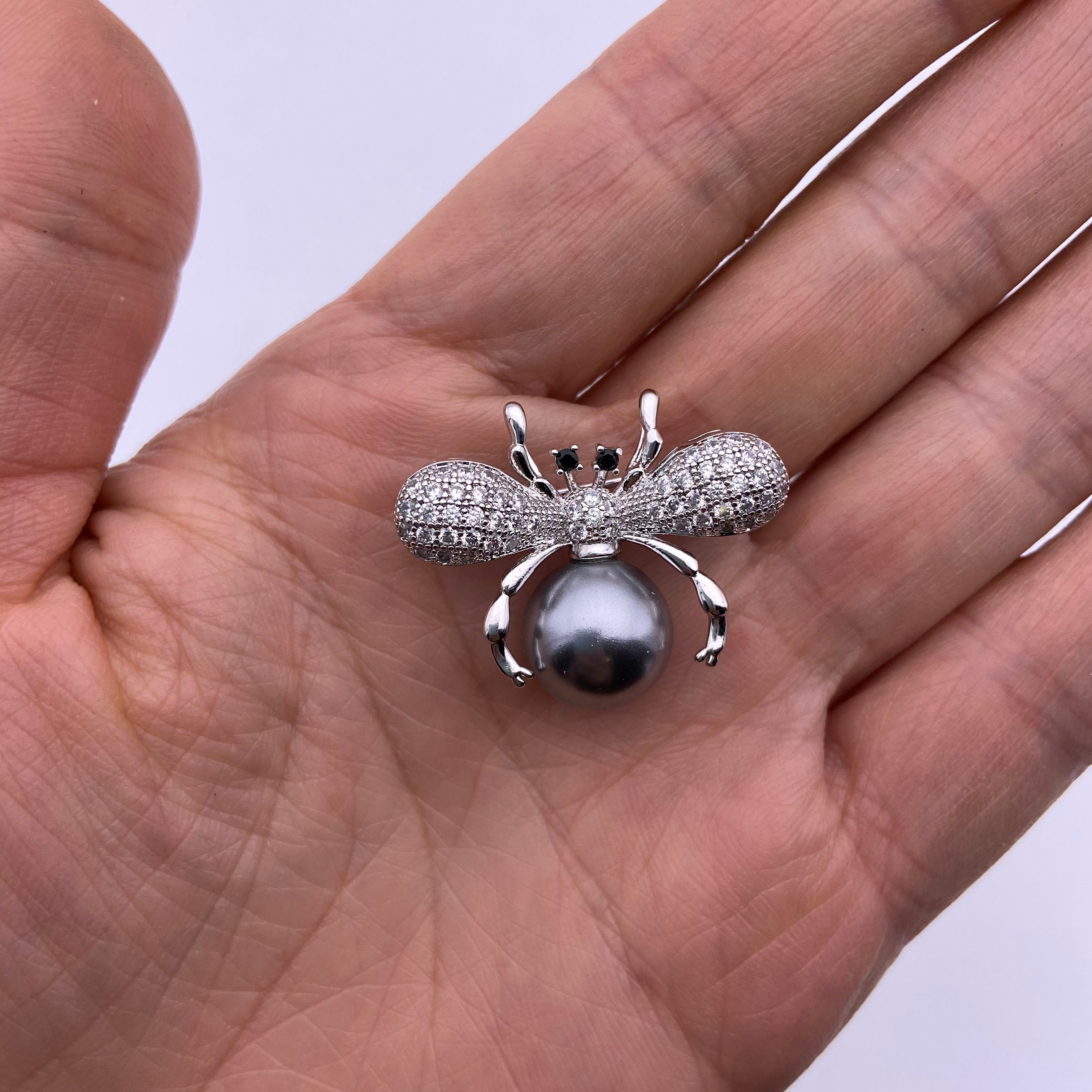 Seashell pearl insect brooch/pendant