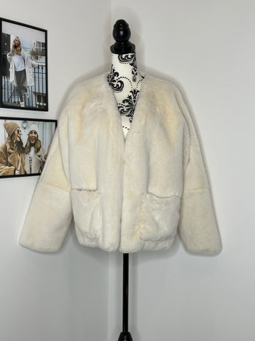 SAMPLE SALE - CREAM FAUX FUR BETHANY JACKET - SMALL