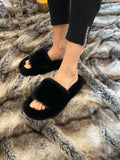 NEW IN Monaveen Luxury FAUX Fur Slippers, BLACK