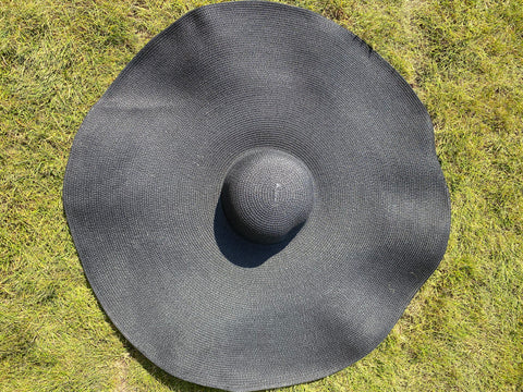 NEW IN Monaveen JUMBO SUN HAT