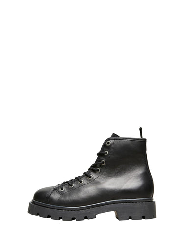 Leather boots lace up