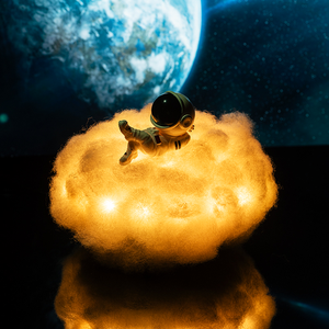 Astronaut Cloud Lamp
