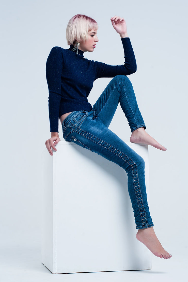Boyfriend blue jeans with tacks detail
