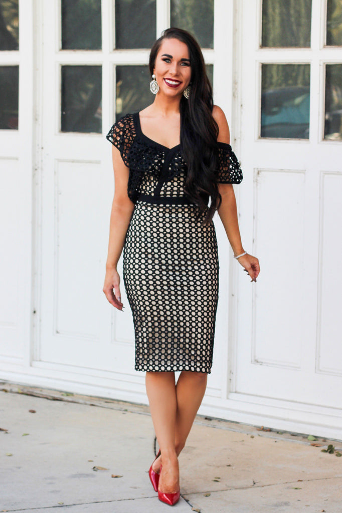 RESTOCK: Modern Belle Midi Dress: Black - Bella and Bloom Boutique
