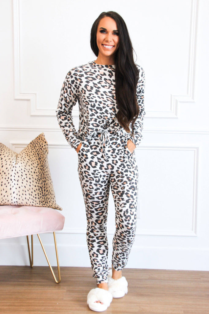Cozy Vibes Jogger Two Piece Set: Leopard - Bella and Bloom Boutique